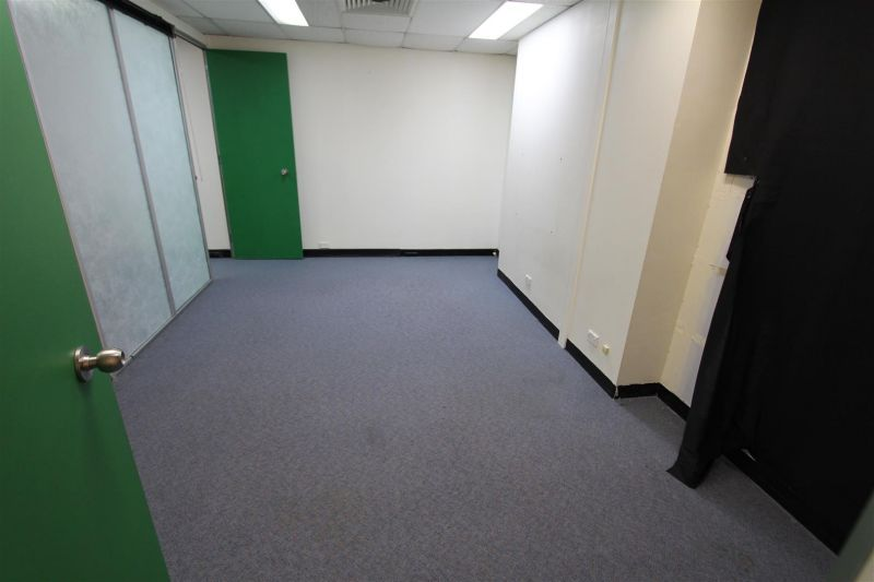 FITTED OUT OFFICE/MEDICAL SUITE - MIRANDA