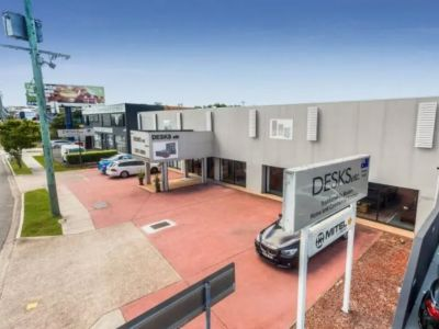 QUALITY OFFICE / SHOWROOM / WAREHOUSE WITH GREAT STANLEY STREET FRONTAGE!
