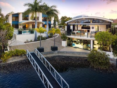 Unique Waterfront Masterpice  with Two Independent Double Storey Buildings