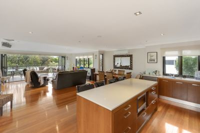 Prestigious Robina Gallery - Lake to Golf Course!