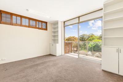 Bathed in natural sunlight, car space, own private balcony with pretty CBD/district views!