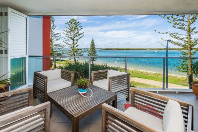 Two Bed + Study Apartment with Stunning Panoramic Broadwater Views