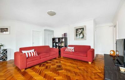 ENJOY THE NEW YEARS EVE FIREWORKS DISPLAY, STYLISH EAST-SIDE  APARTMENT