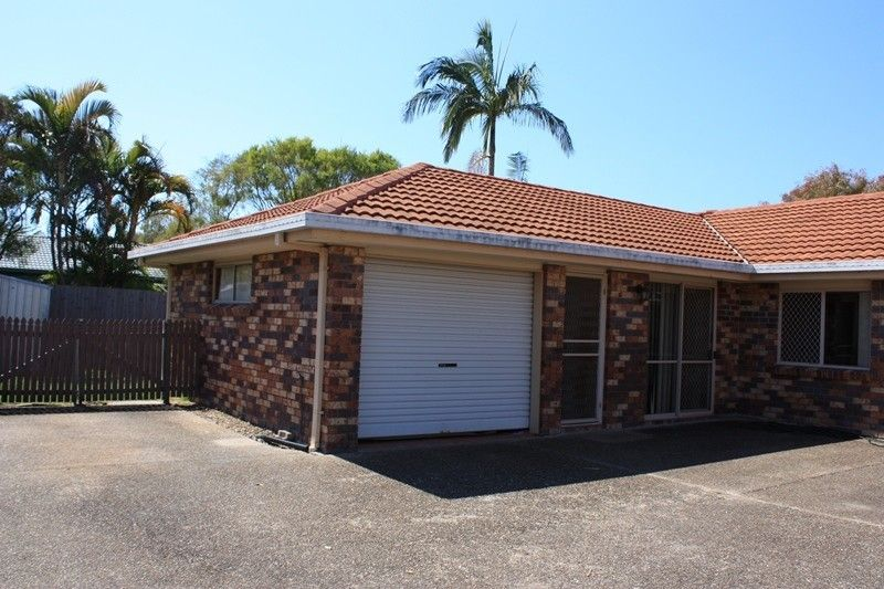 MOOLOOLABA HOUSE SIZE DUPLEX TO BE SOLD!