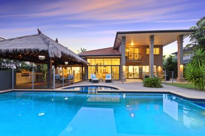 Rare Entertainers Delight, 1281m2 Block of Private Golf Front Living