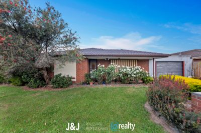 8 Benambra Way, Hampton Park
