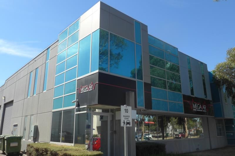 MODERN OFFICE WAREHOUSE WITH STREET FRONTAGE
