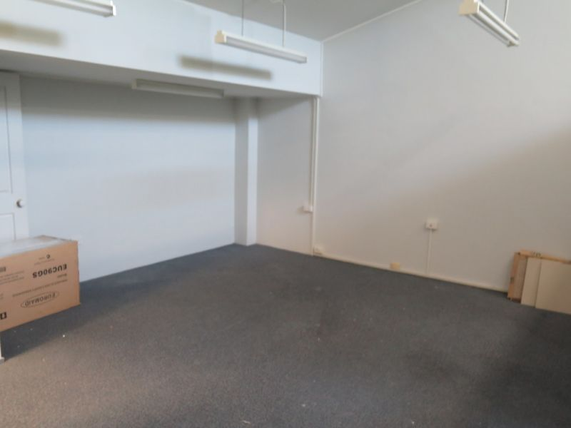 Well located office in the heart of Th Entrance