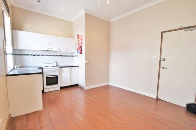 One Bedroom Unit with Internal Laundry