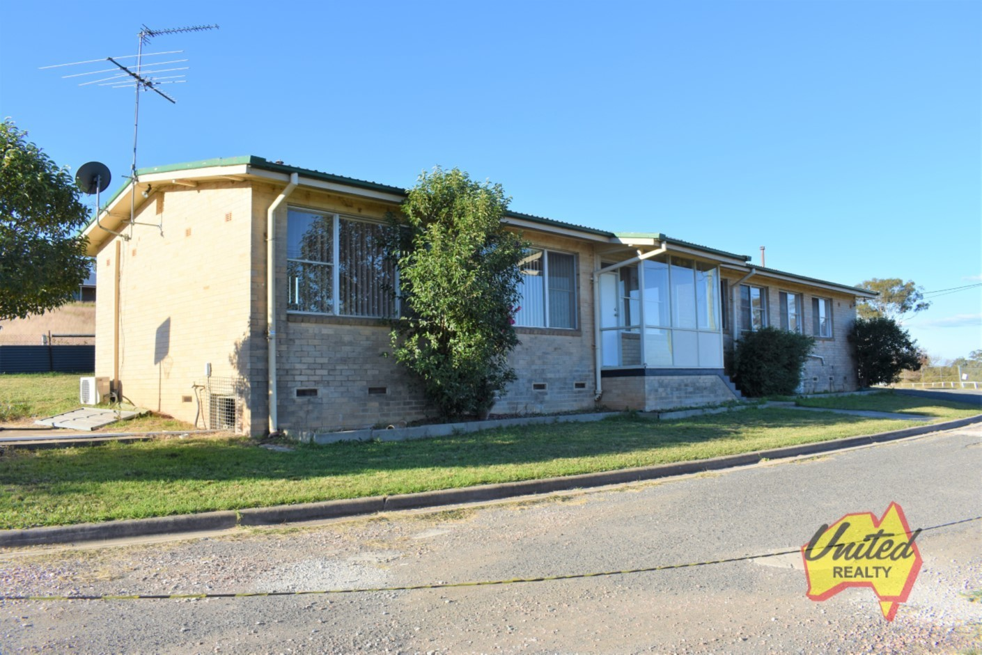 688A Luddenham Road Luddenham 2745