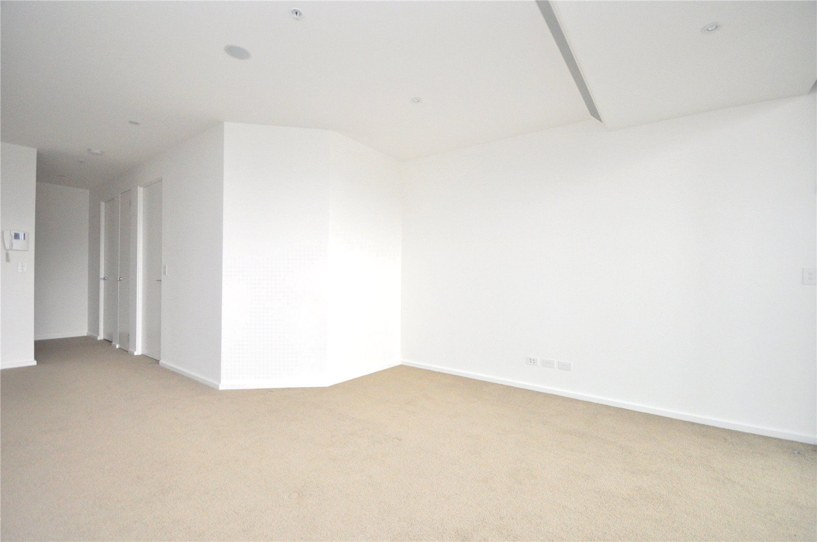 Fabulous  One Bedroom Apartment in the Ground Floor of the Epic Complex!