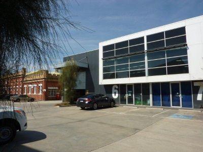 Modern High Clearance Clear Span Warehouse