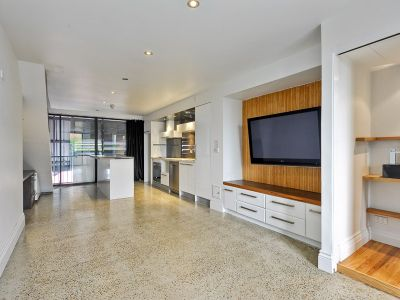BEAUTIFUL UNFURNISHED 1 BEDROOM APARTMENT