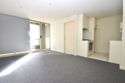 Southbank Condos: Beautiful One Bedroom Apartment in a Fantastic Central Location! L/B