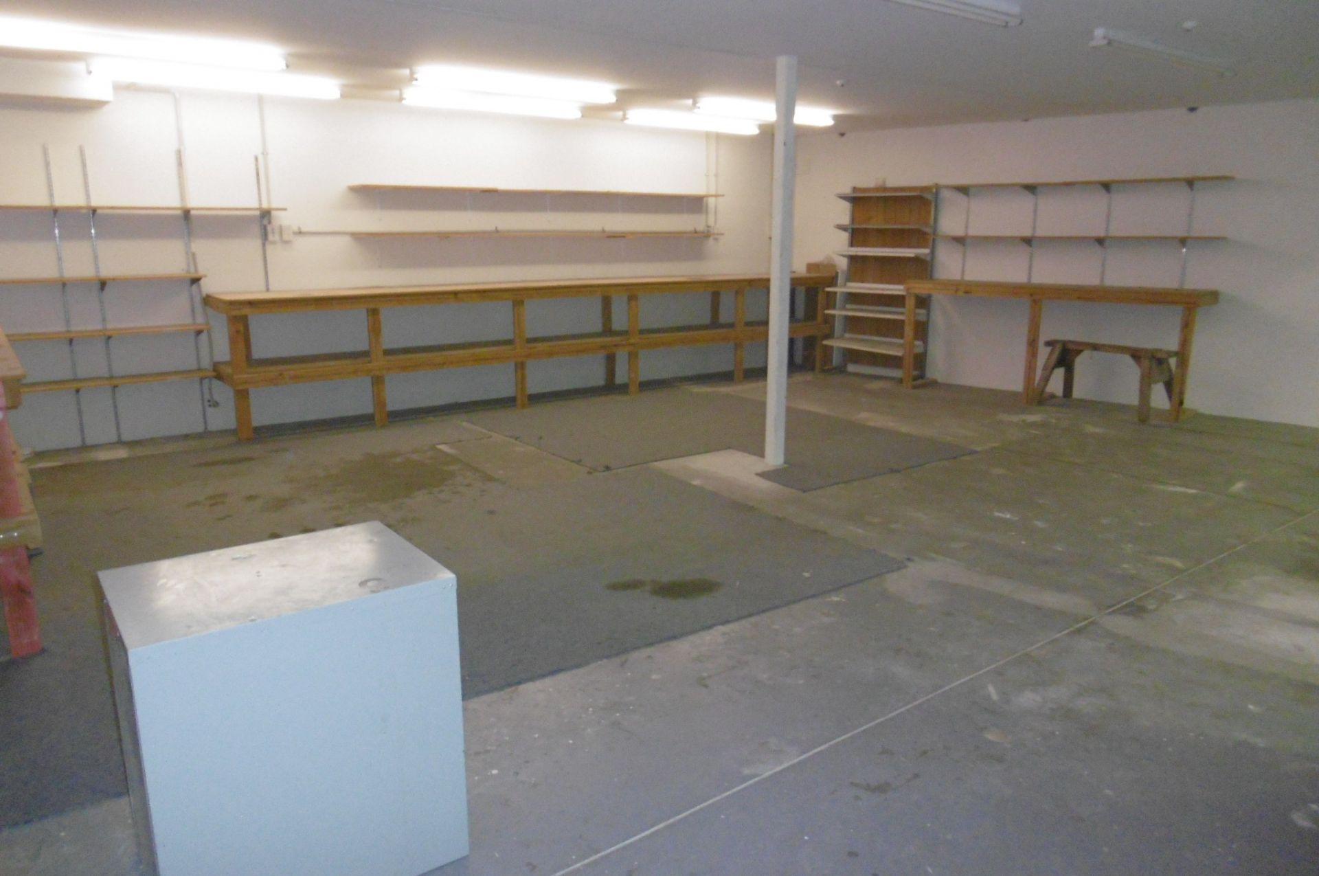 Warehouse unit 295sqm's - for lease