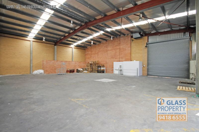 Great Quality High Clearance Warehouse - 331m2