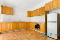 = HOLDING DEPOSIT RECEIVED = OVERSIZED AND CONVENIENTLY POSITIONED WITH AIR-CONDITIONING
