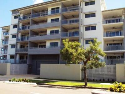 Executive 3 Bedroom Unit - Complex with a Pool