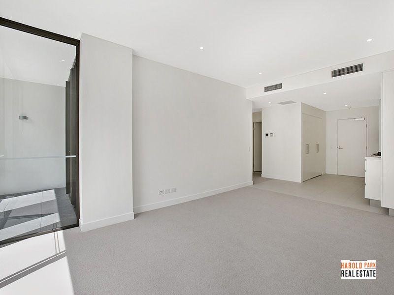 Oversized, 72sqm,  1 Bedroom Apartment PLUS Study