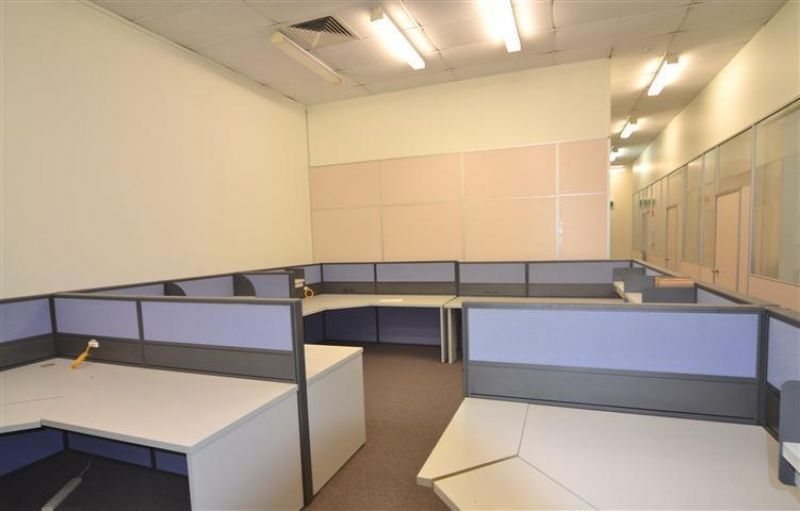 LOW COST OFFICE WITH PARKING
