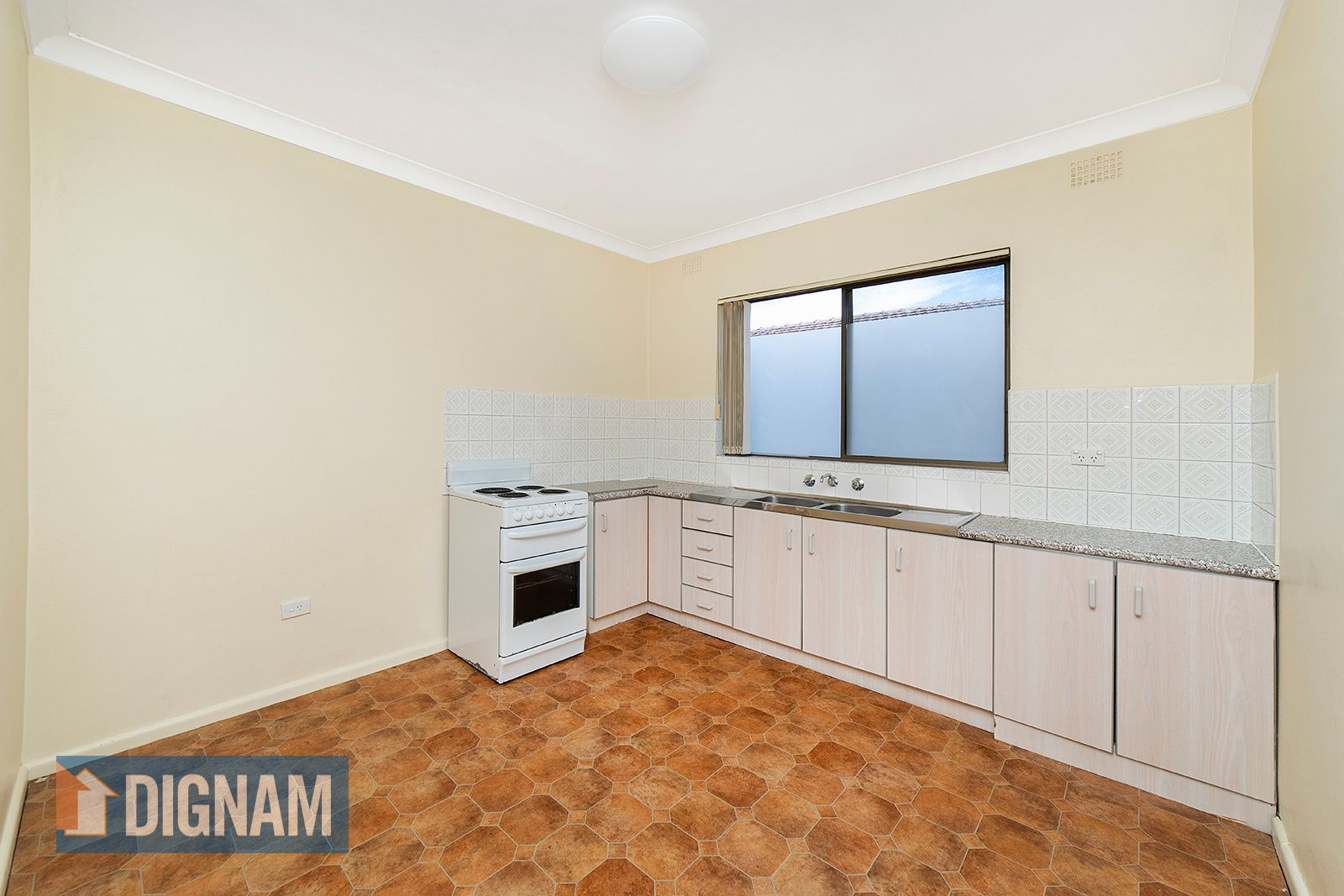 1/7 St Lukes Avenue, Brownsville NSW