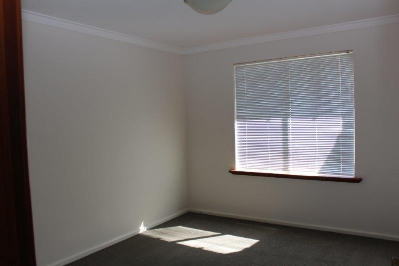 DELIGHTFUL TWO BEDROOM TOP FLOOR UNIT - RIVER VIEW FROM BALCONY