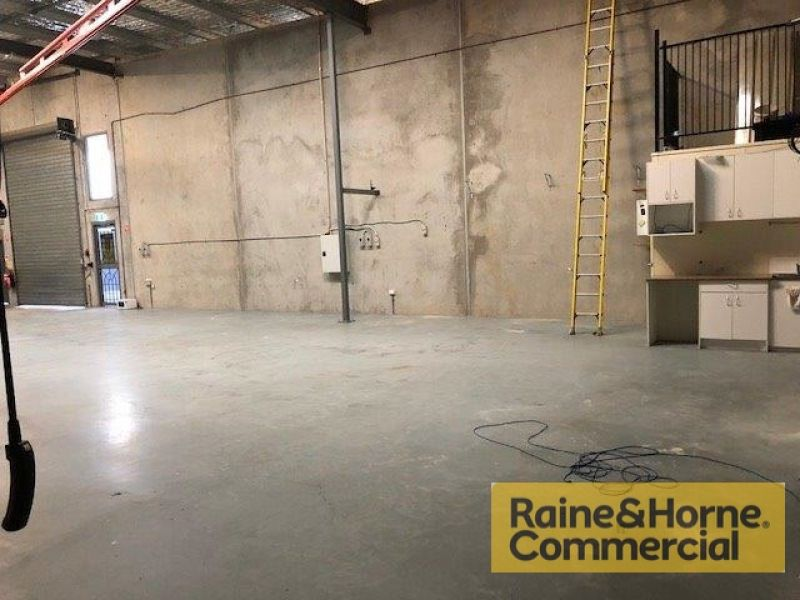237sqm Clear Span Industrial Unit with 200 Amps Per Phase