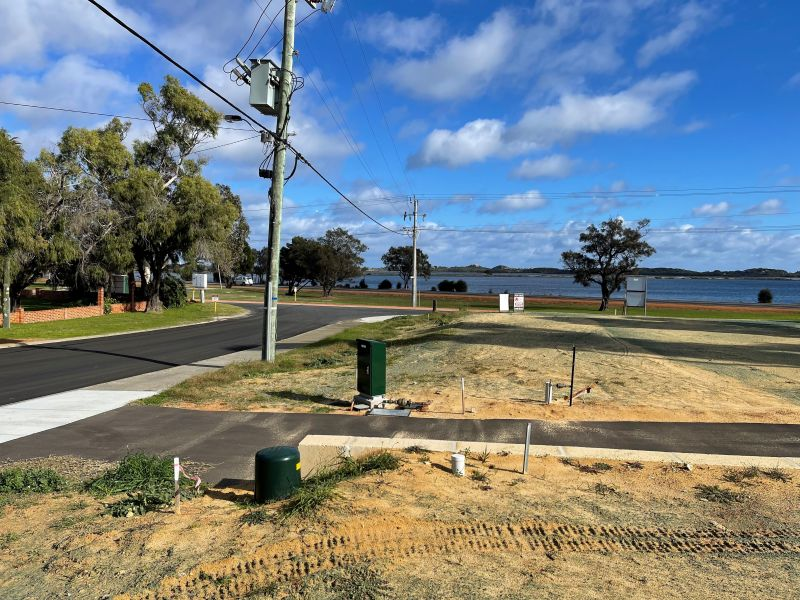 Australind land in an ideal location