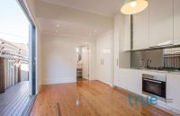 = HOLDING DEPOSIT RECEIVED = STUNNINGLY PRESENTED IN IDEAL LOCATION