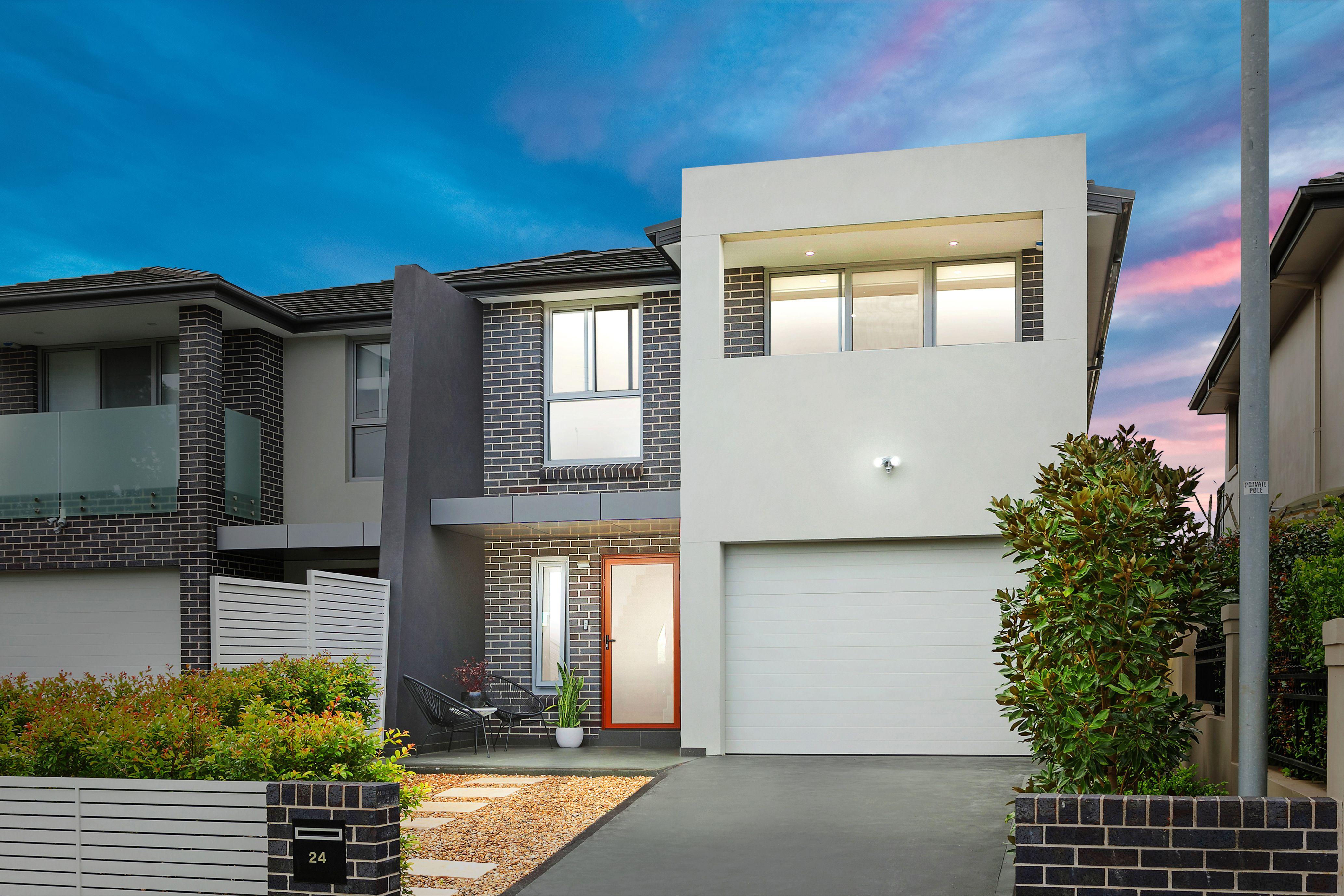 24 Flinders Road, Georges Hall NSW 2198