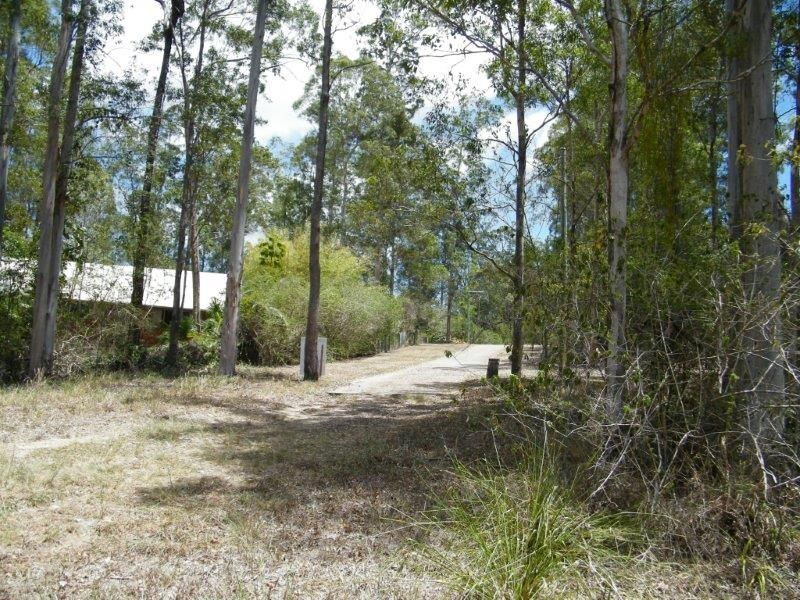 8 Supplejack Court, Lake Macdonald QLD 4563