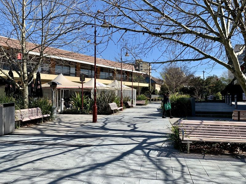 Retail in Cremorne Plaza