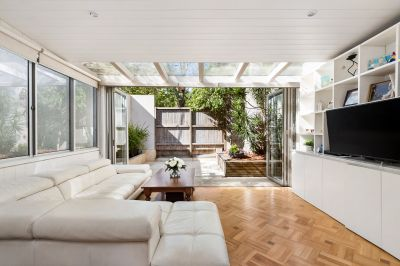 Sophisticated Haven Offers Cosmopolitan Lifestyle