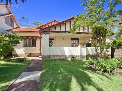 BEAUTIFUL MOSMAN ART DECO HOME