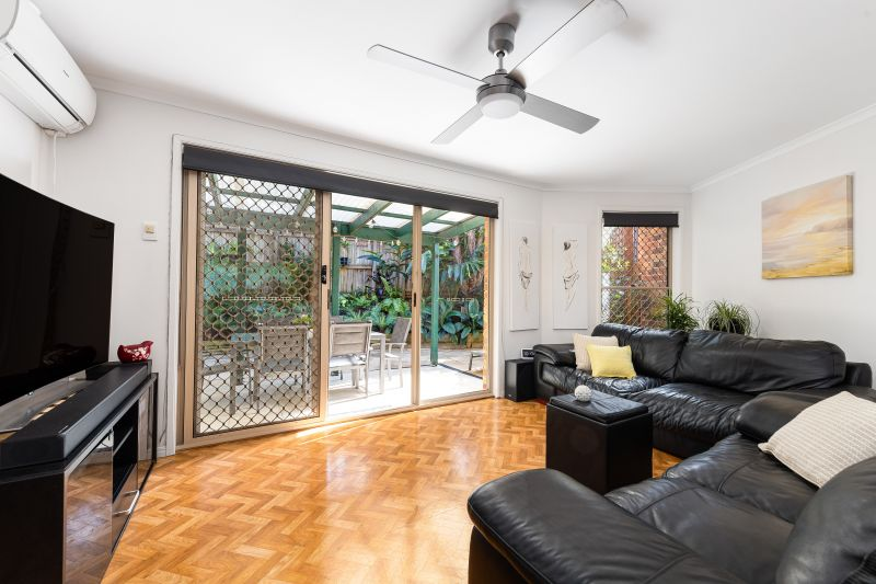 Pet Friendly Townhouse with Low Body Corp Fees!