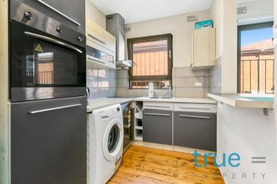 = HOLDING DEPOSIT RECEIVED = IDEALLY LOCATED, RENOVATED FURNISHED OR UNFURNISHED APARTMENT