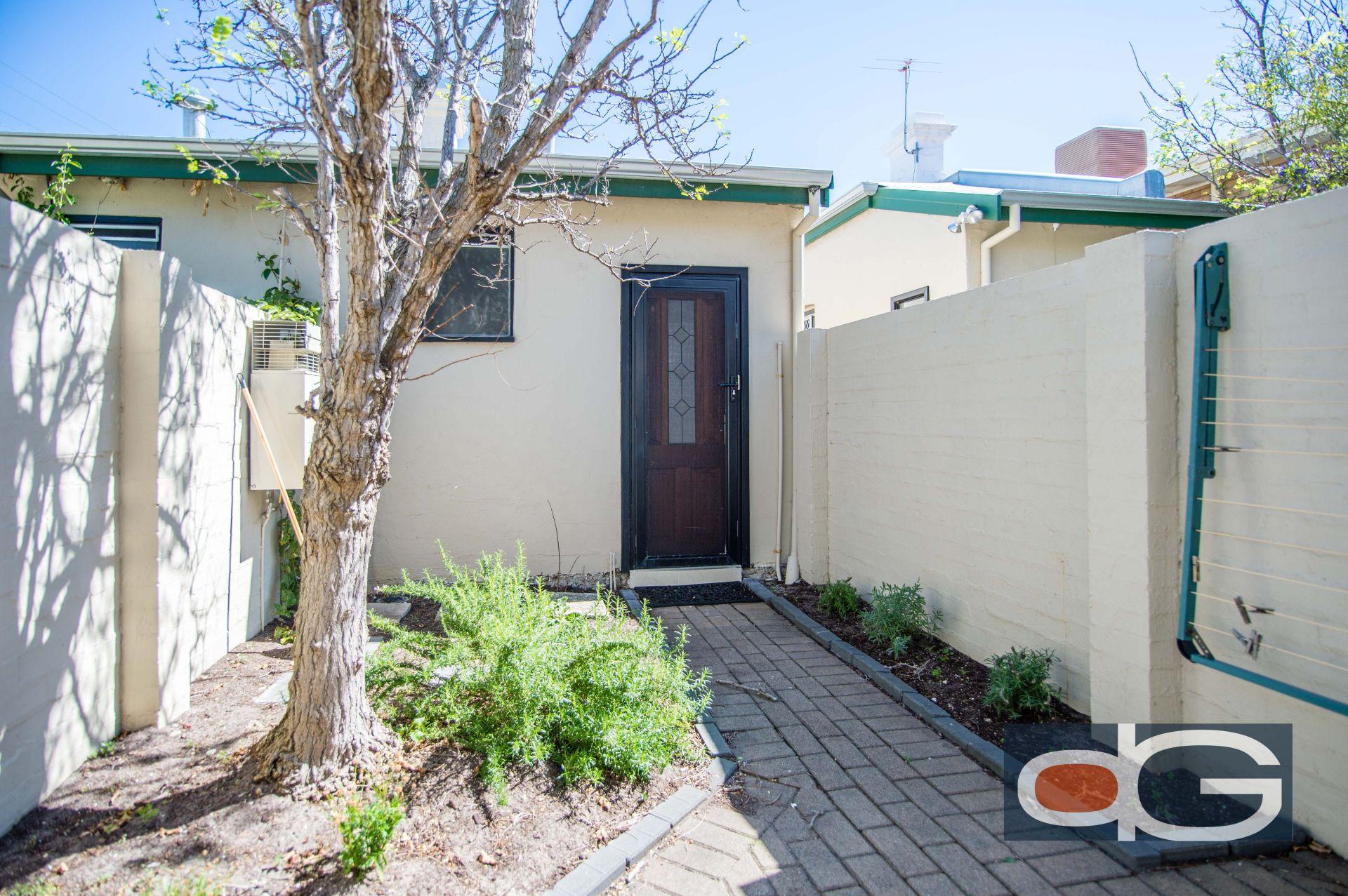 2/2 McLaren Street, South Fremantle