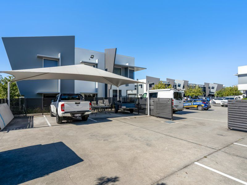 QUALITY 124sqm OFFICE SPACE. 4 CAR SPACES