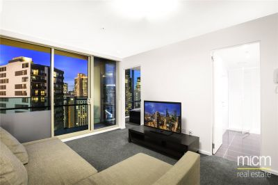 Mainpoint: 25th Floor - Spacious Two Bedroom Apartment!