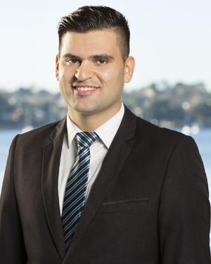 Adrian Andrews Real Estate Agent