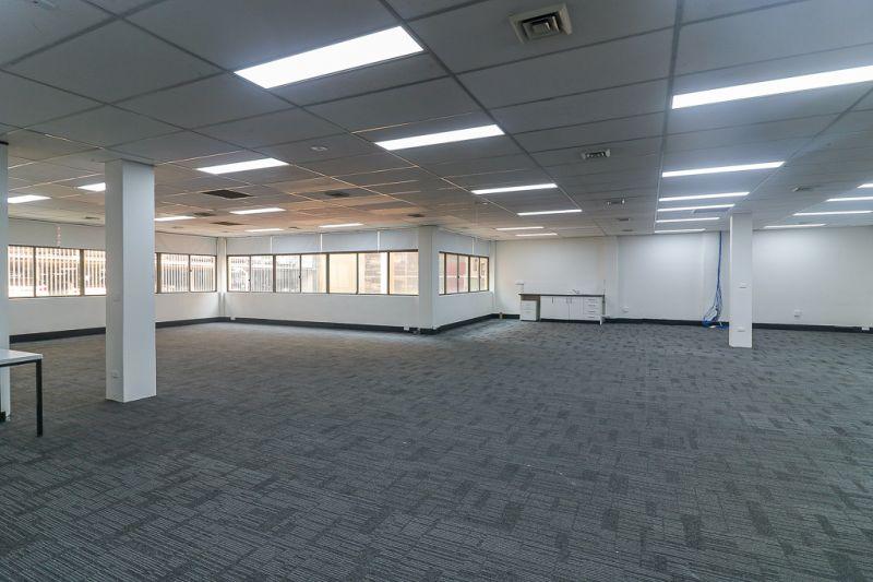 Prime Location next to Westfields & Parramatta Railway Station