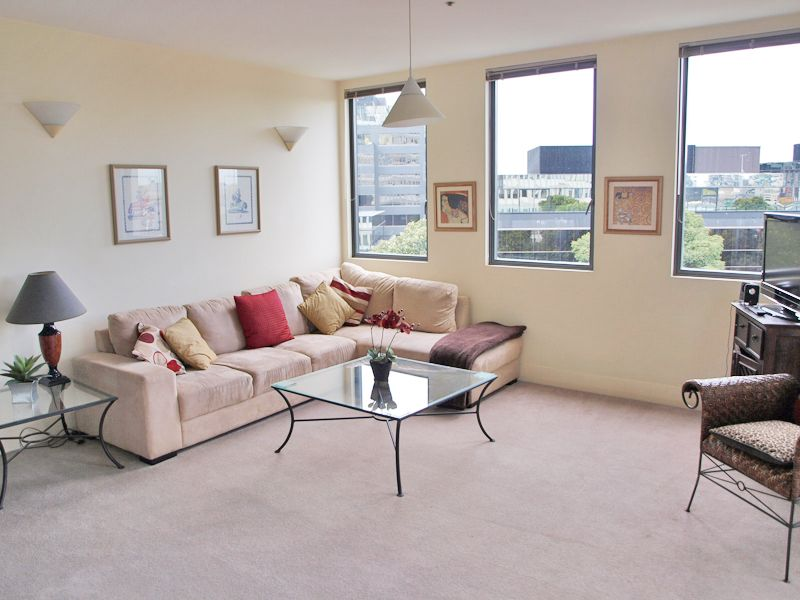 Southside Tower: FULLY FURNISHED - Just A Short Walk From Everything! L/B
