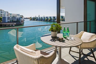 Family Circumstances Force Immediate Sale of Luxury Apartment with North-to-Water View!