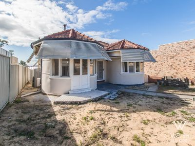 CHARACTER HOME ON 458SQM OR FUTURE BLOCK OF LAND!