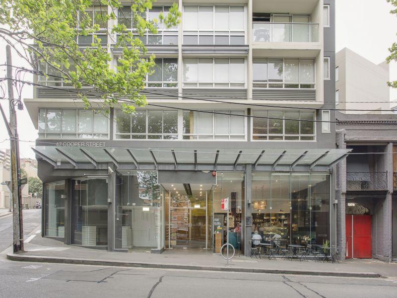 Oversized Studio Apartment