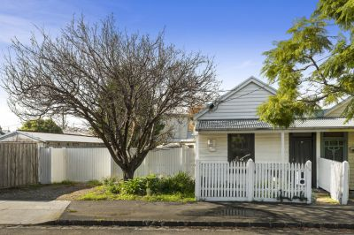 20 Dover Road, Williamstown