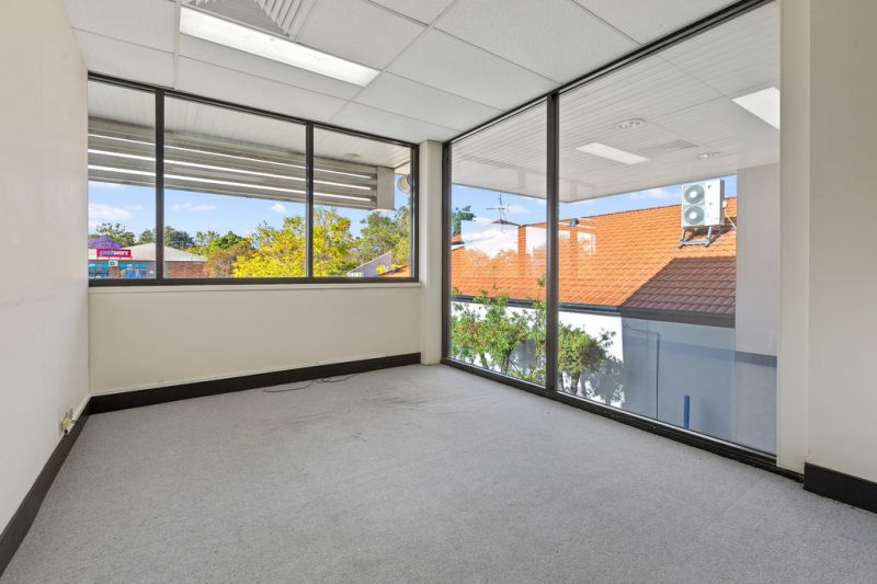 Multiple professional first floor tenancies on high exposure corner site