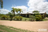 LOWSET FAMILY HOME ON 5 ACRES - QUIET LOCATION