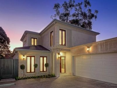 Affordable Executive Residence with the Lot!