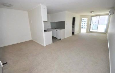 Cityside: 9th Floor - Fantastic One Bedroom Apartment with Study!